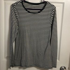 Old Navy Size L black stripes tshirt Used